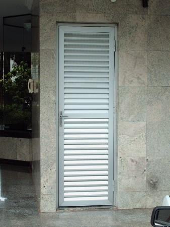 Porta em Veneziana - Foto 1