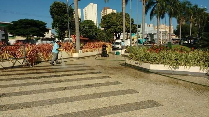 Limpeza de Calçada - Foto 2