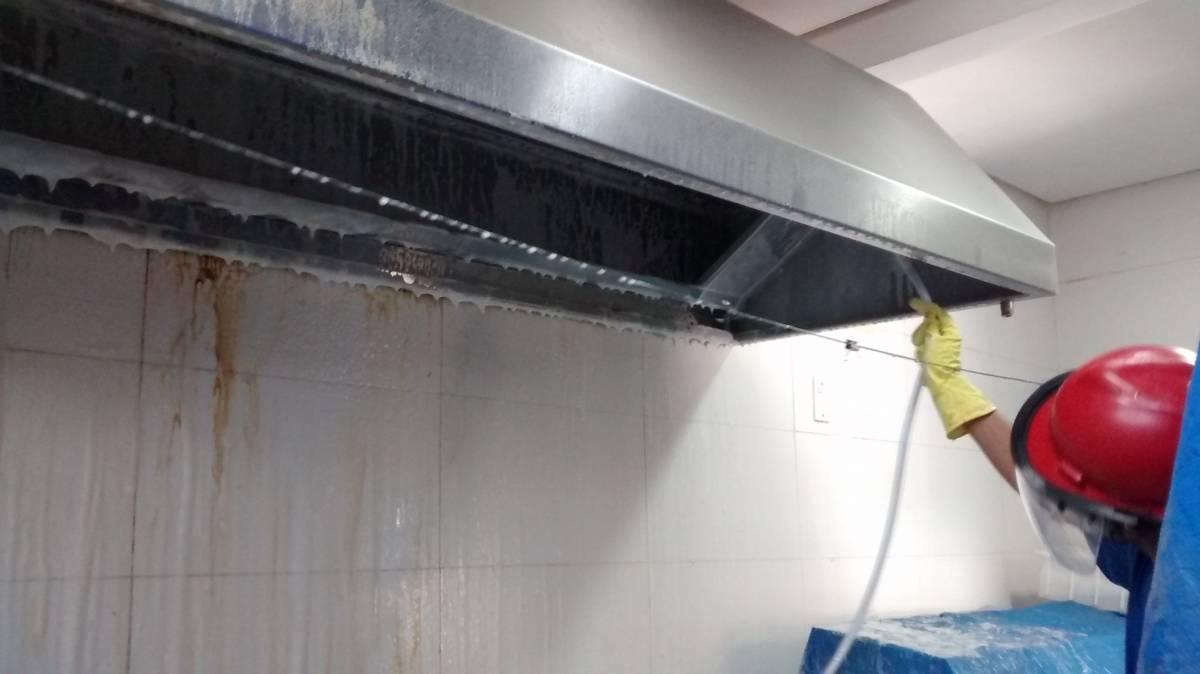 Limpeza de Coifas e Dutos de Ventilação - Foto 3