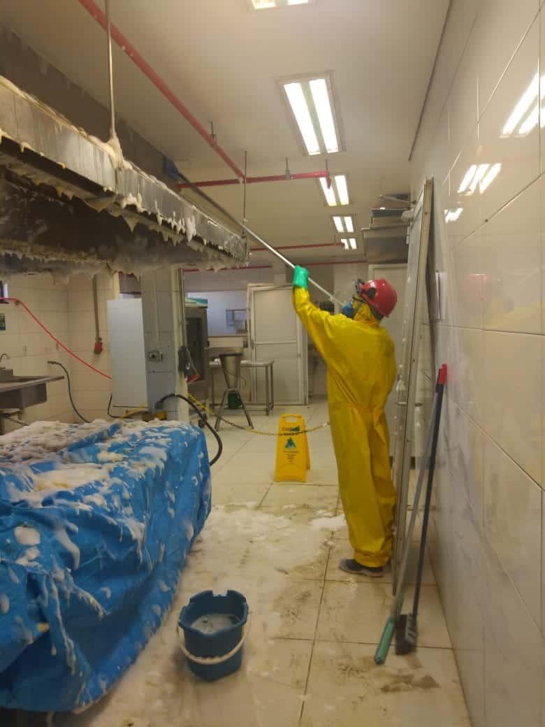 Limpeza de Coifas e Dutos de Ventilação - Foto 17