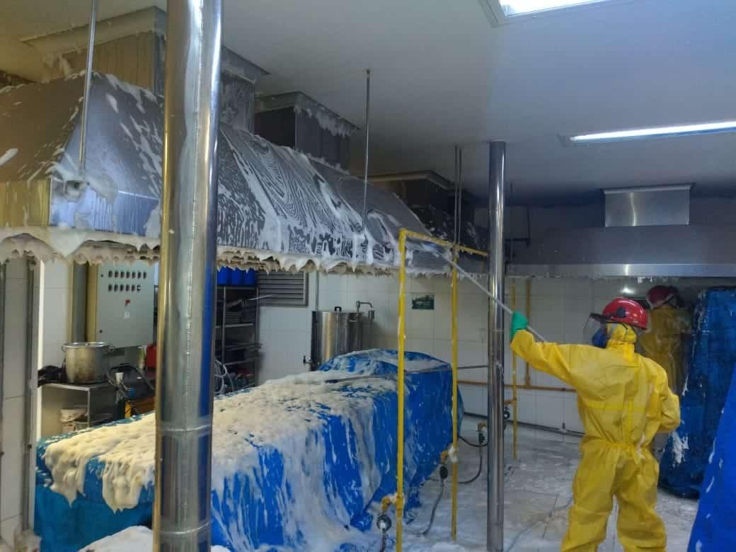 Limpeza de Coifas e Dutos de Ventilação - Foto 25