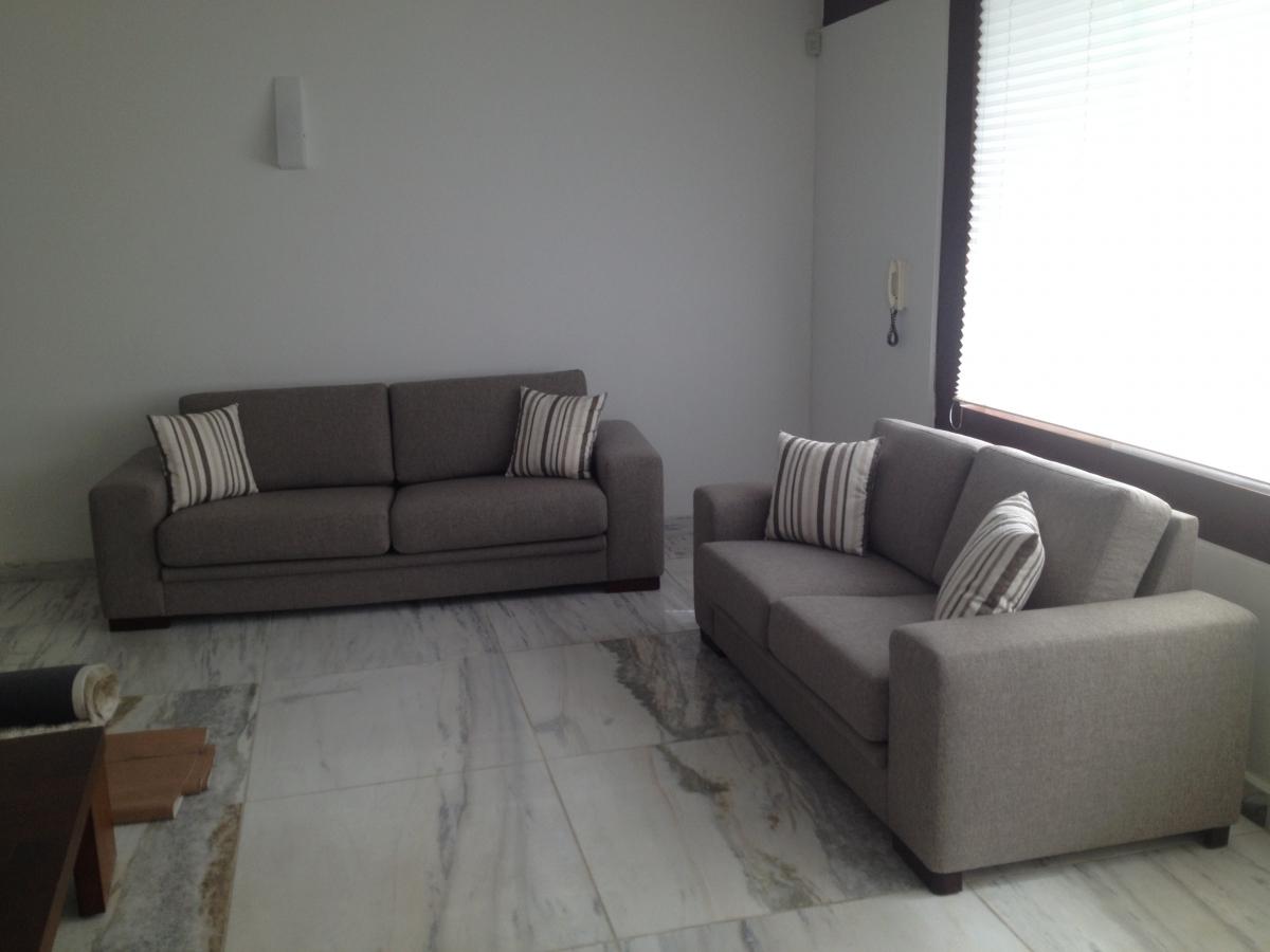 Conjunto de sofás de 02 lugares fixos