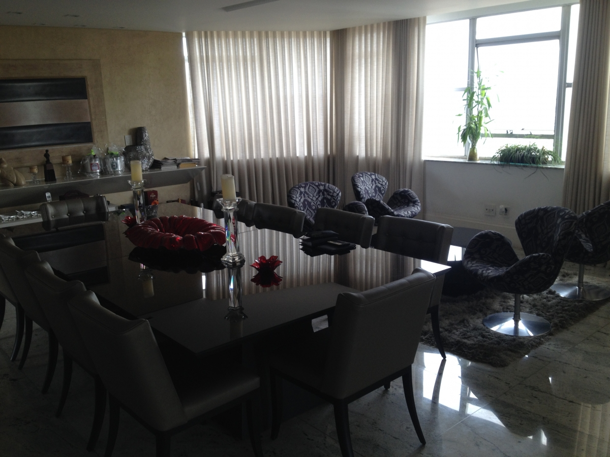 Cadeiras de sala de jantar e poltronas Swan