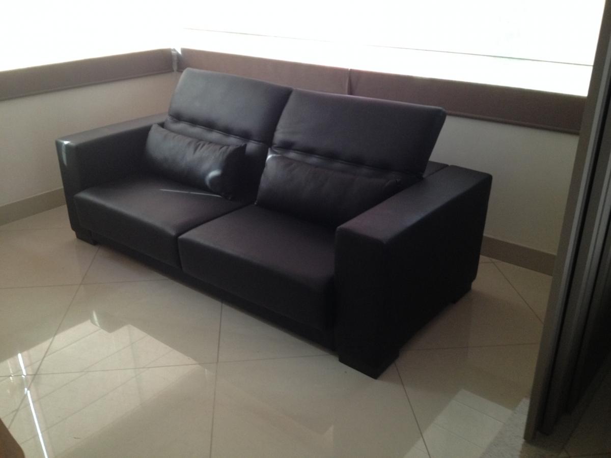 Sofá de 02 lugares com assentos retráteis