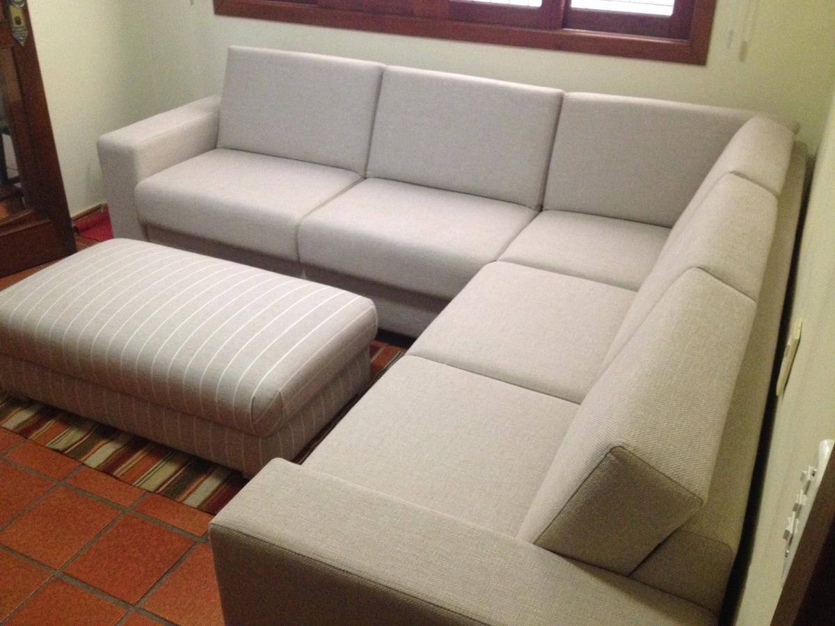Conjunto de sofá de canto com pufé