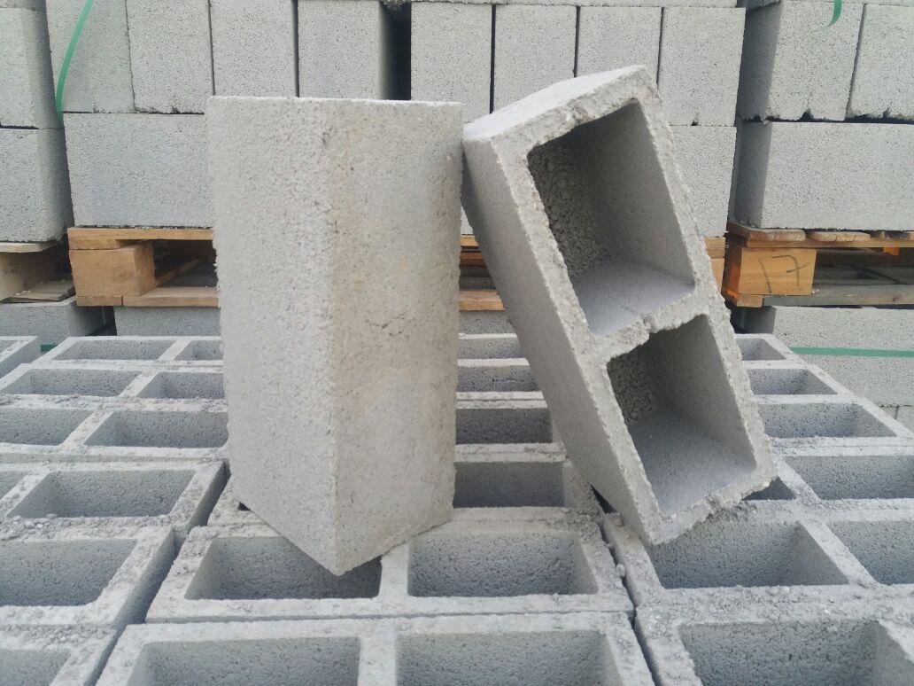Bloco de Concreto 14x19x39 com fundo - Foto 2