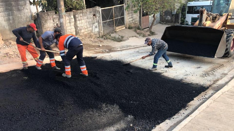 Pavimentação parcial da avenida Poços de Caldas