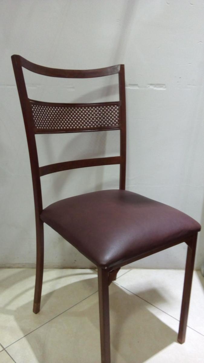 Cadeira de ferro marrom - Foto 2