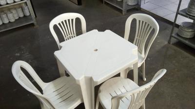 Mesa plástico quadrada 70 x 70 - Foto 1