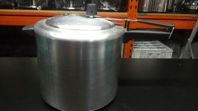 Panela de pressão 10 litros - Foto 1