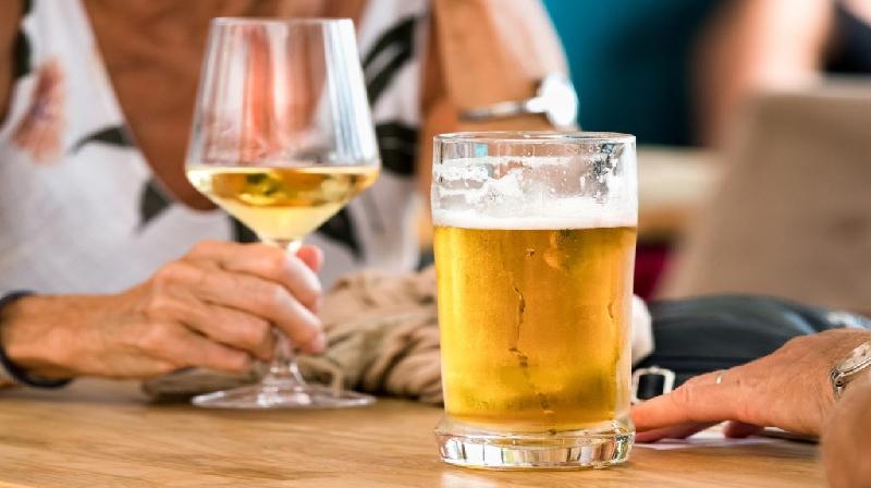 As taxas de mortalidade relacionadas ao álcool estão aumentando em quase todas as faixas etárias