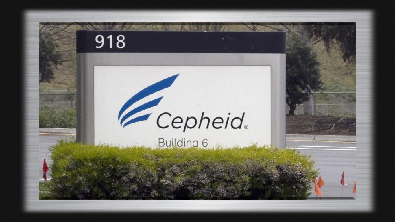 Empresa de diagnóstico Cepheid cobrando quatro vezes mais do que deveria para os testes COVID-19