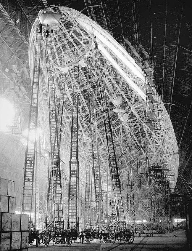"""Construção do dirigível """"Hindenburg"""""""