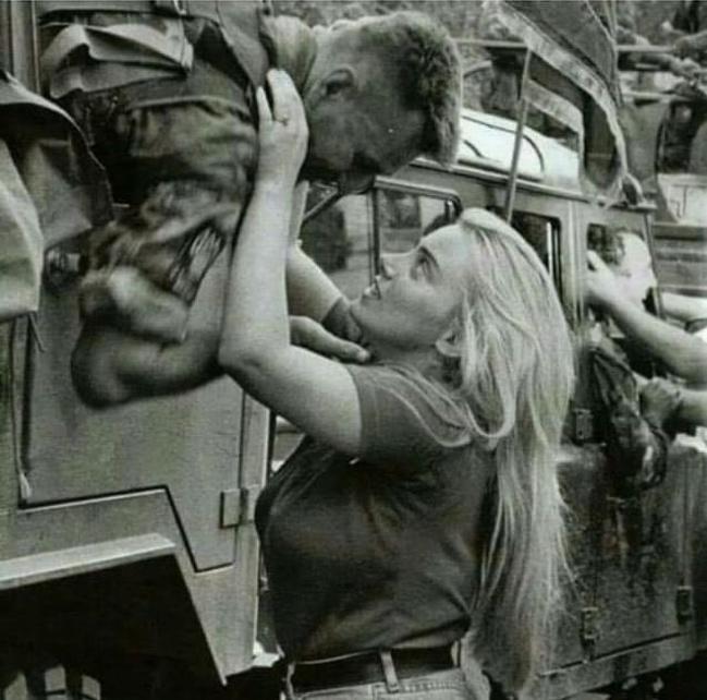 Soldado Croata se despedindo 1995
