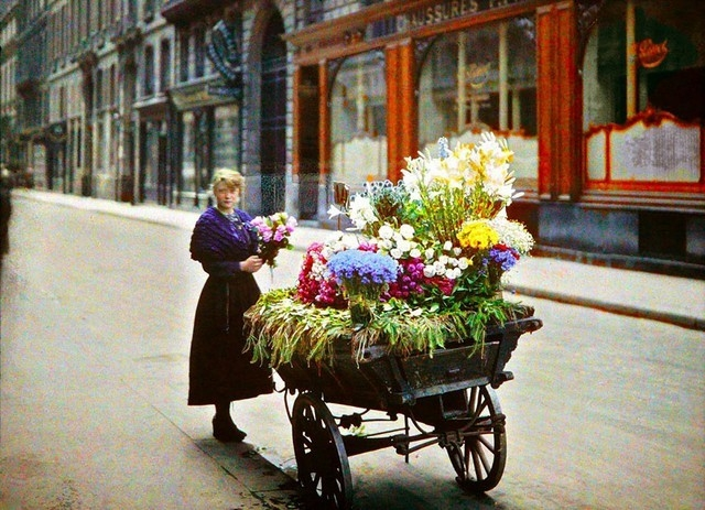 Vendedora de flores em Paris, 1914