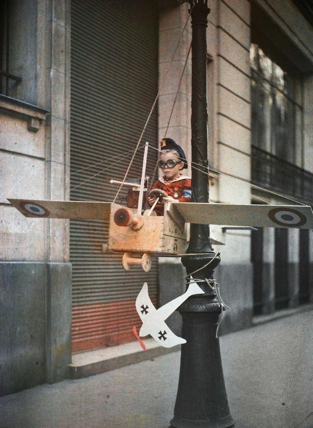 Pequeno aviador, 1915