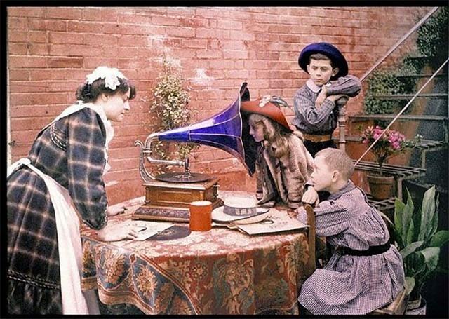 Ouvir música não era tão simples, 1912