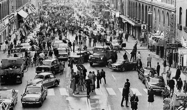 Estocolmo adota sistema britânico de direção