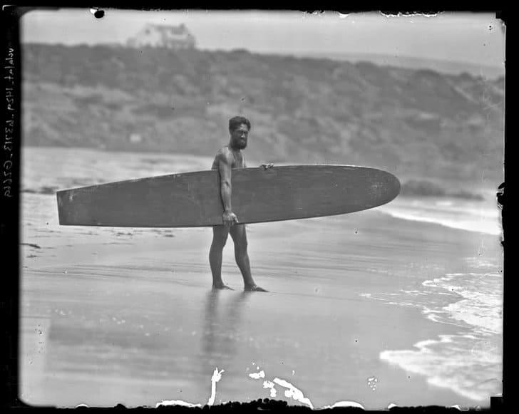 Duke Kahanamoku popularizou o surf 1920