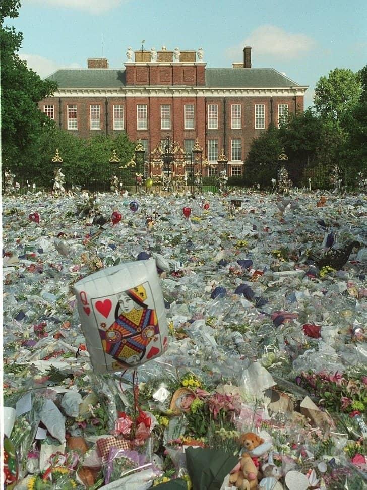 Palácio de Kensington, 1997 mar de flores