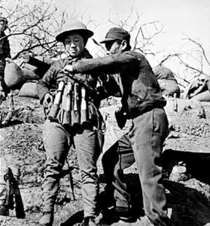 Soldado suicida chinês contra japoneses
