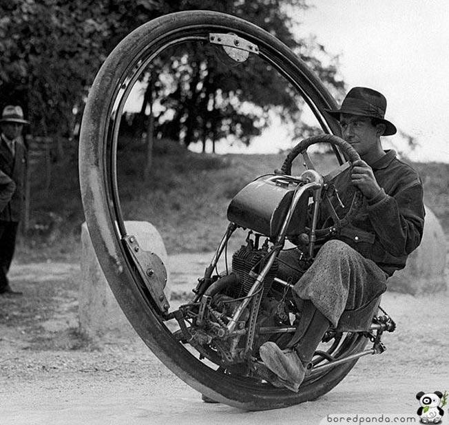 Moto de uma roda só, atingia 150 km por hora