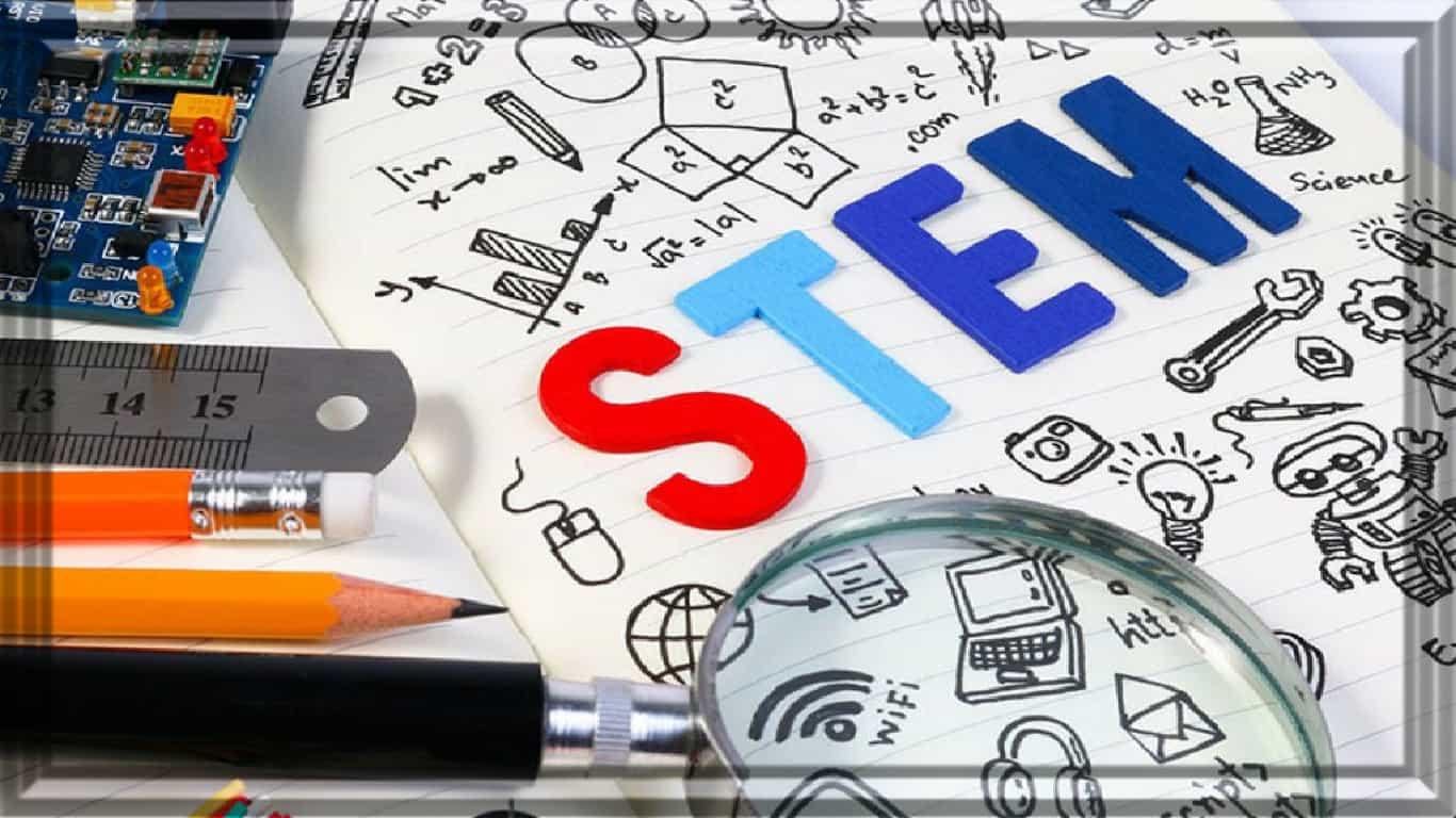 Os alunos do STEM aprendem tanto on-line quanto nas salas de aula