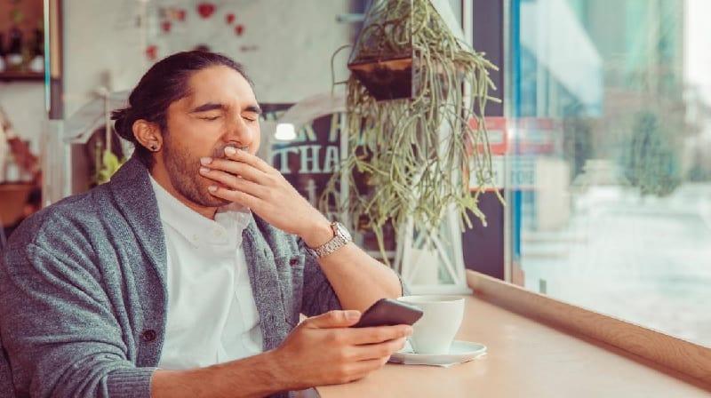 Privação do sono 'triplica o número de lapsos de atenção'