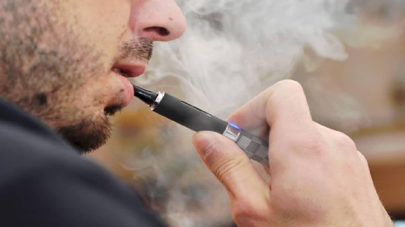 Surto de lesão pulmonar: CDC alerta contra certos produtos vaping