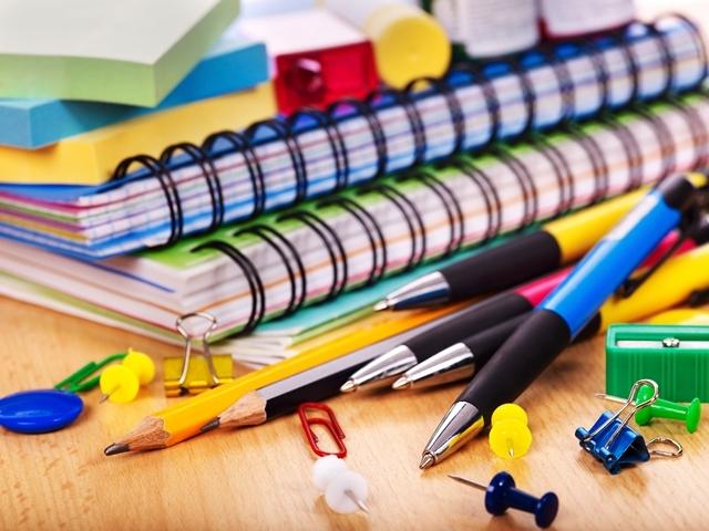 Venda de material escolar por Instituições de Ensino