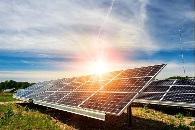 Energia solar: mercado cresce diante dos aumentos das tarifas de luz