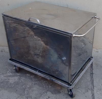 Carro Transporte Fechado de Roupa Inox - Foto 1