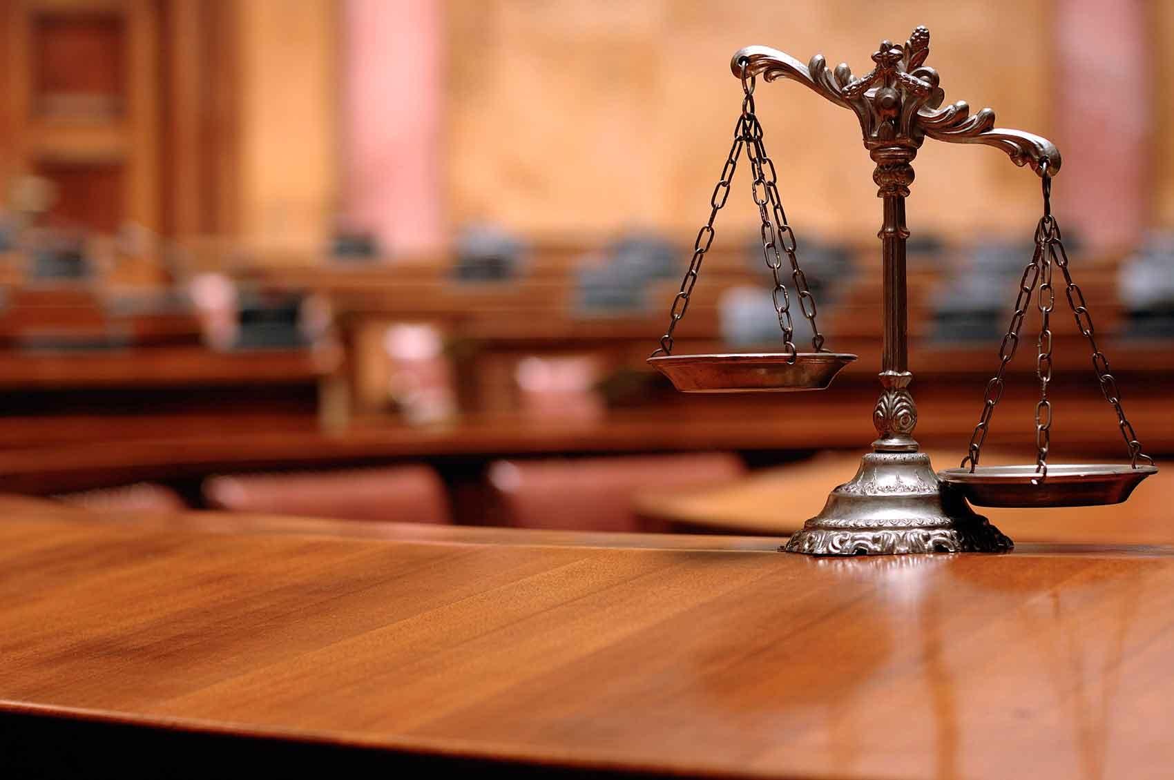 Constitucionalidade da criação de subteto remuneratório para vereadores na lei orgânica municipal.