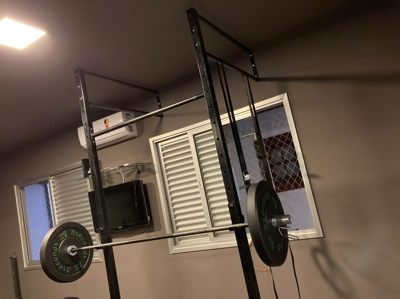 Instalação de aparelho de ginástica