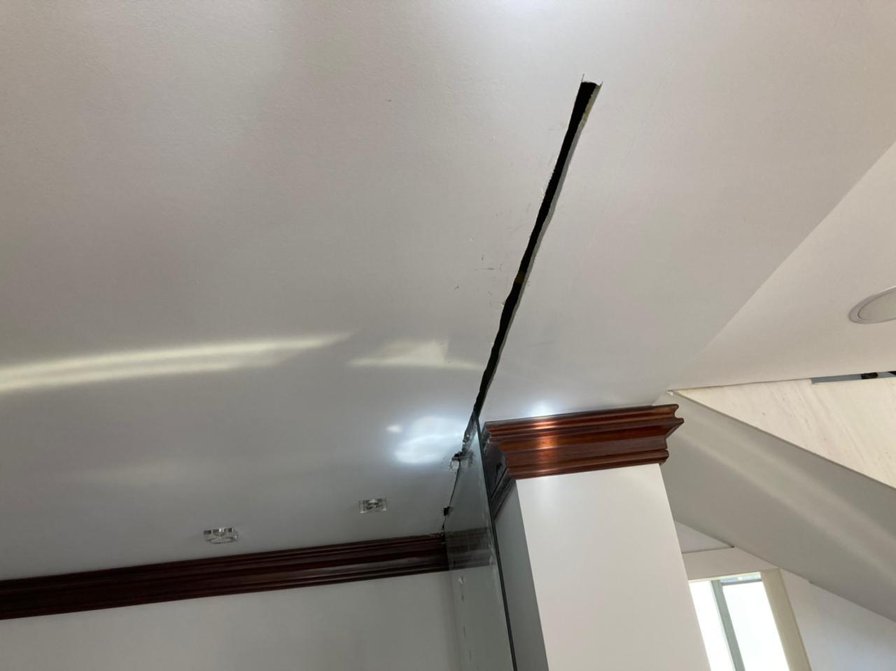 Instalação de protetor de quadro