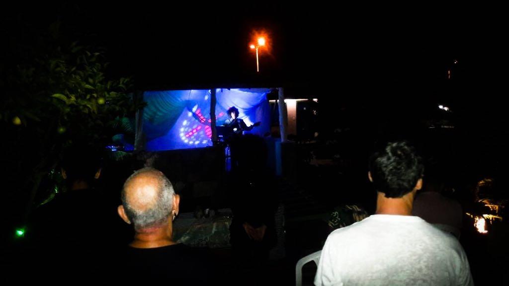 Temos uma área para shows e apresentações ao ar livre.