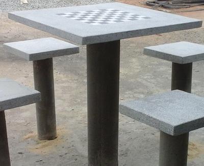 Conjunto de Mesa Quadrada c/ pé redondo - Foto 1