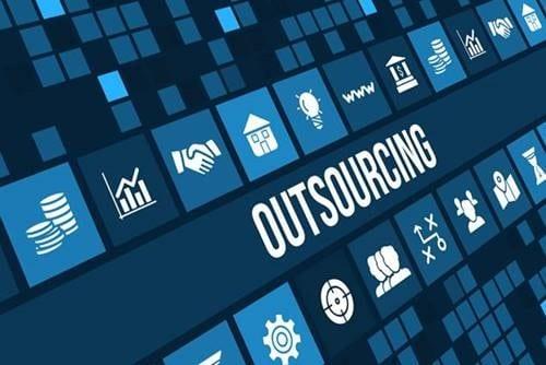 Outsourcing: O que é, Vale a Pena Implementar em minha Ótica?