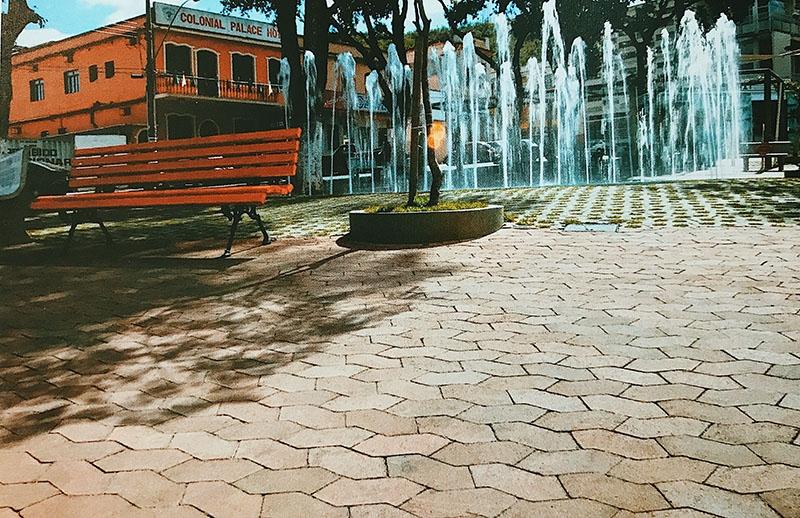 Praça central / Formiga - MG