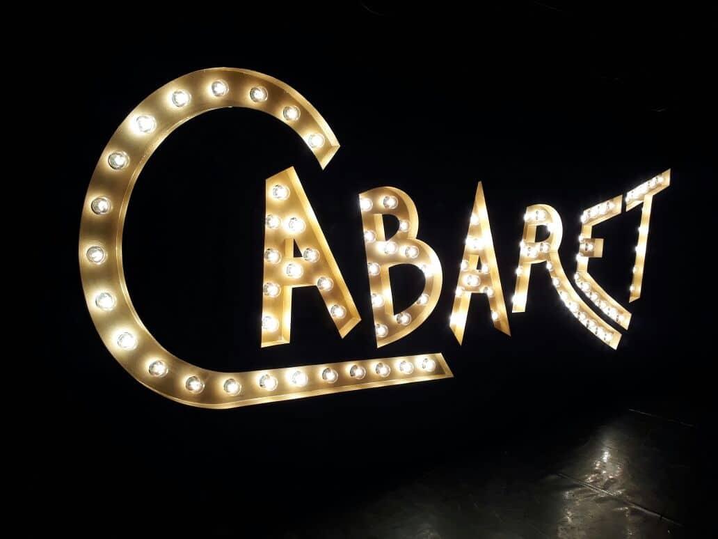 Letra Caixa | Cabaret
