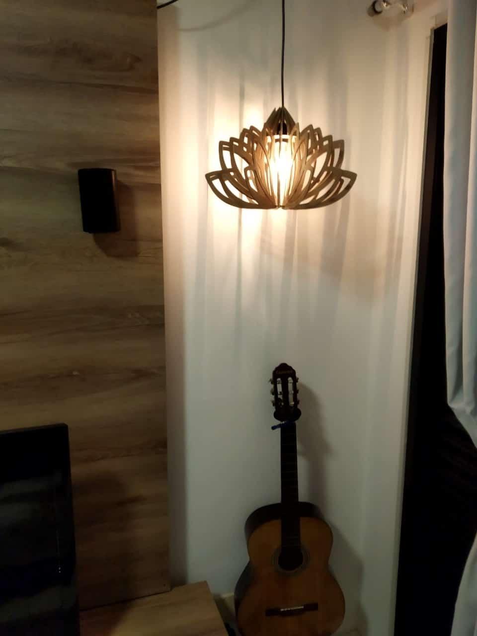 Luminária pendente Flor de Lotus R$ 159,00