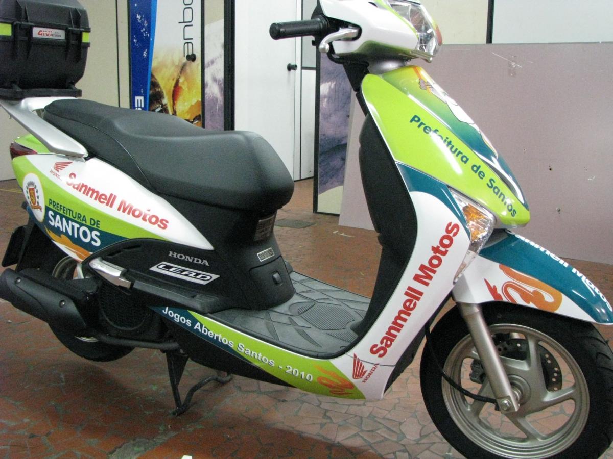 Moto 007