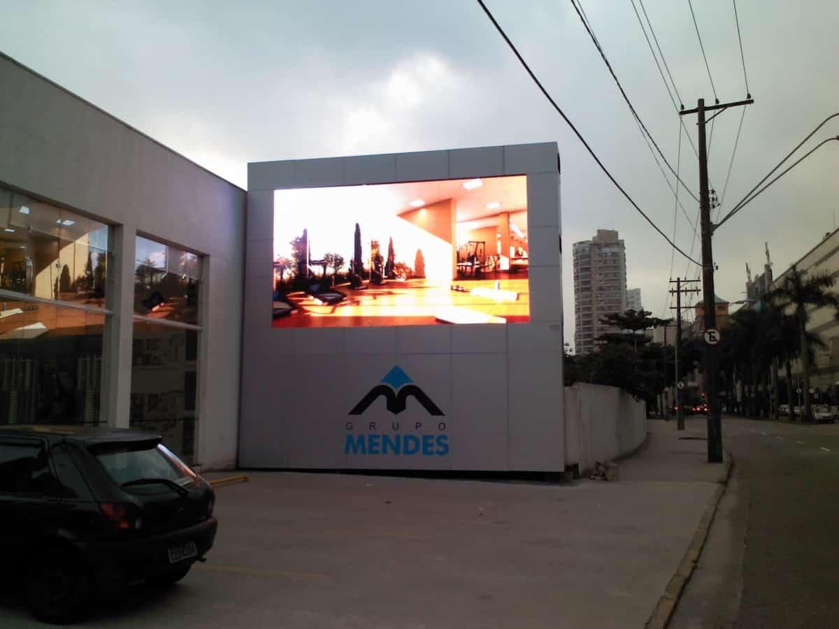 Totem | Grupo Mendes