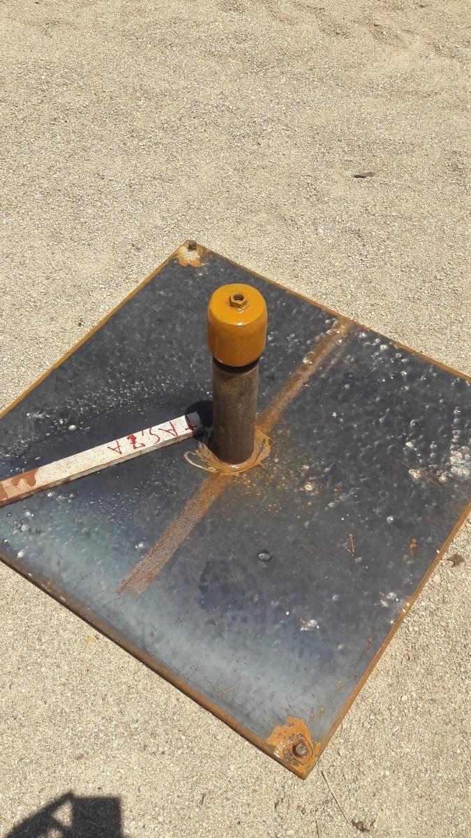 Placa de recalque instalada antes do início da construção do aterro.