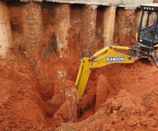 Escavação de bloco de estacas tipo Hélice Contínua Monitorada.