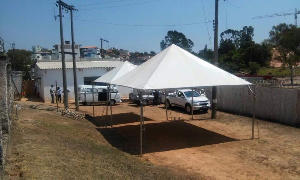 Tenda 5x5 com calhas laterais - Foto 3