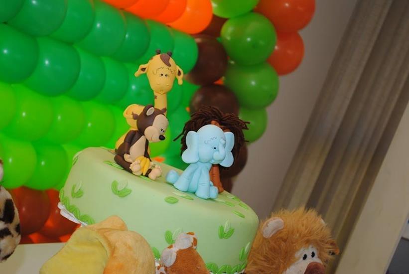 bolo safari disponível para aluguel