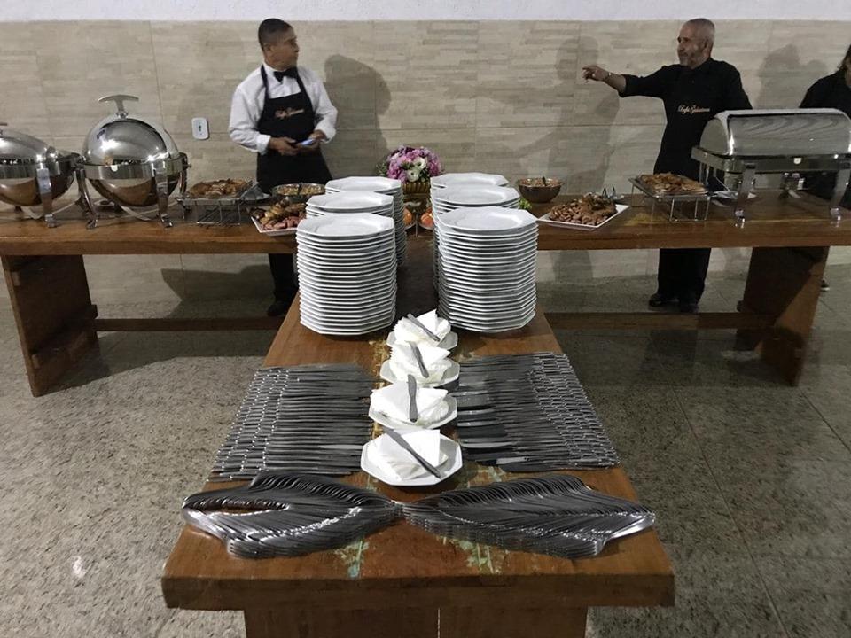mesas disponível para aluguel