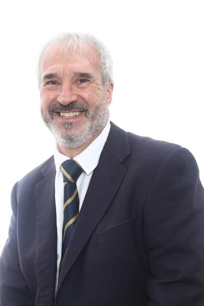 Richard F. Dewhisrst - Diretor, AUSENCO