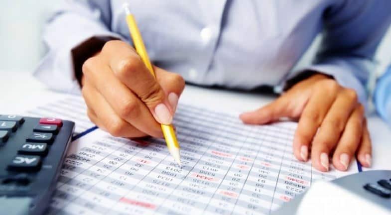 Saiba como fazer um planejamento financeiro e financiar seu primeiro imóvel